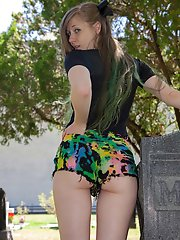 Horny Amateur Wearing Colorful Shorts